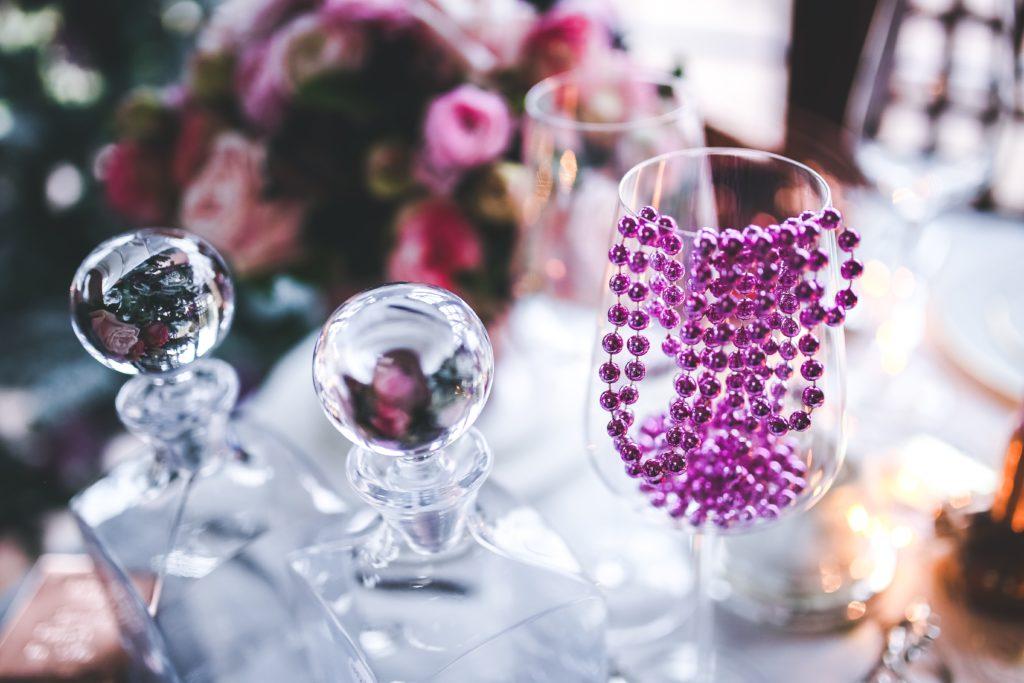 fioletowa dekoracja